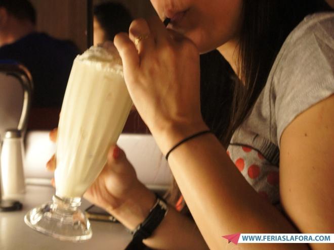 Milk Shake de Oreo no Sci-Fi Dine-in