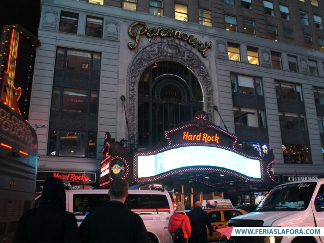 O Hard Rock Cafe de New York fica na Times Square.