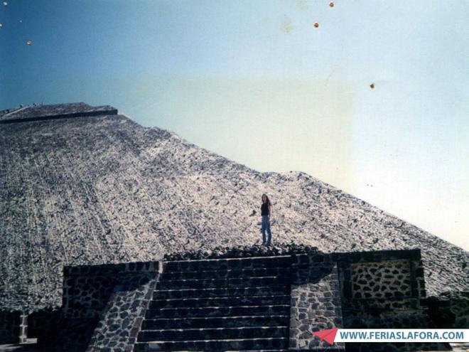 De brinde, para quem quiser rir de mim :P., eu no México na década de 90 rsrsrs.